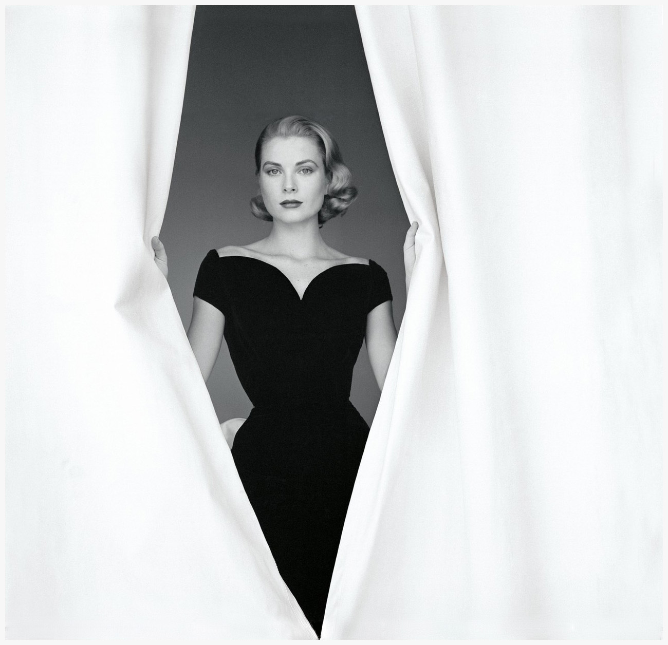 Icons before Instagram: How Grace Kelly went from old Hollywood star to princess