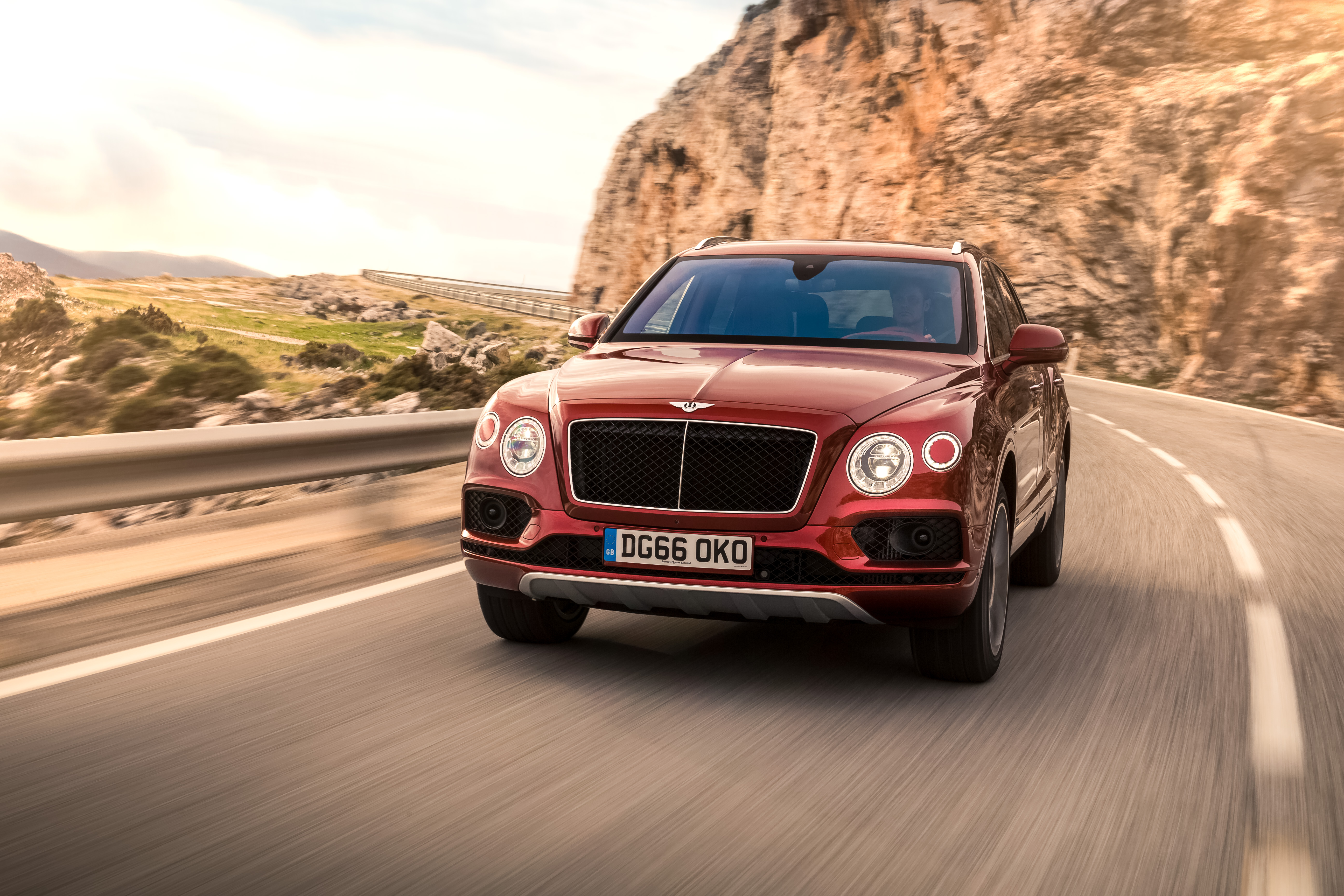 Bentley presents the world's fastest diesel SUV with the V8 Bentayga Diesel