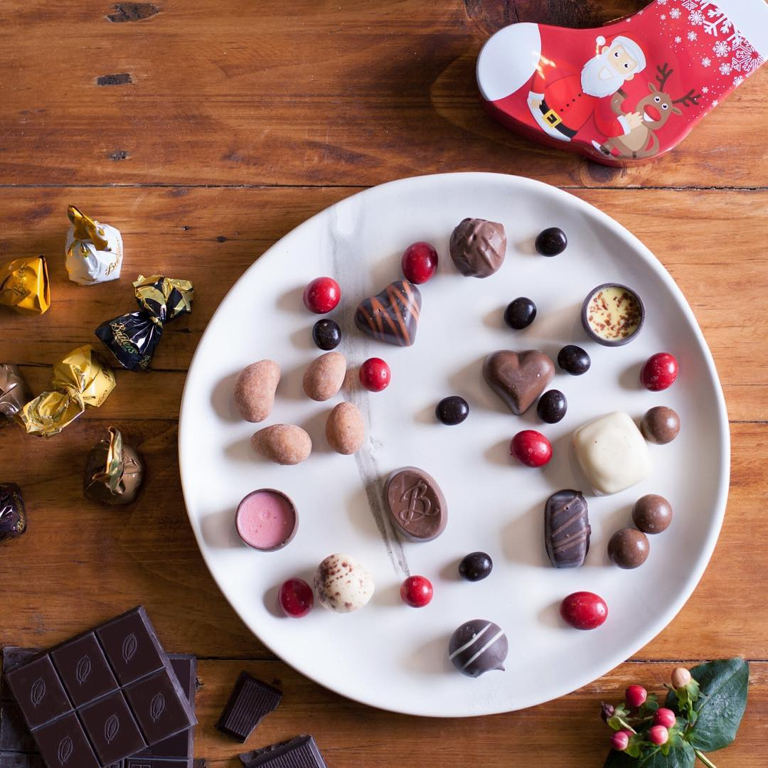 5 ultimate gifts for someone who loves sweets more than anything