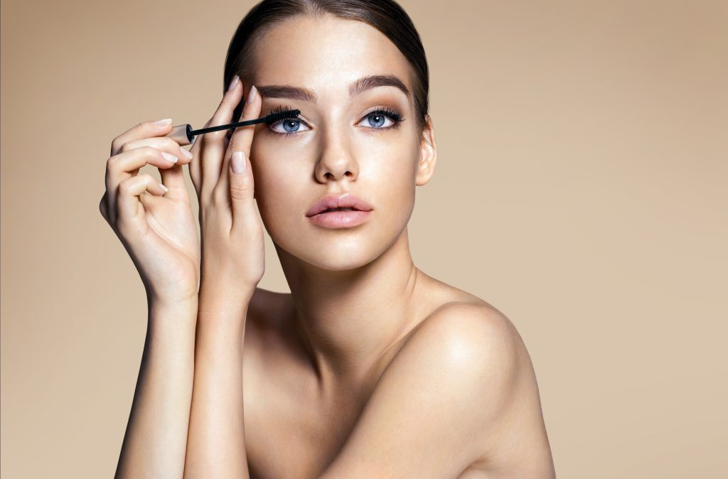 best methods to keep your makeup looking fresh