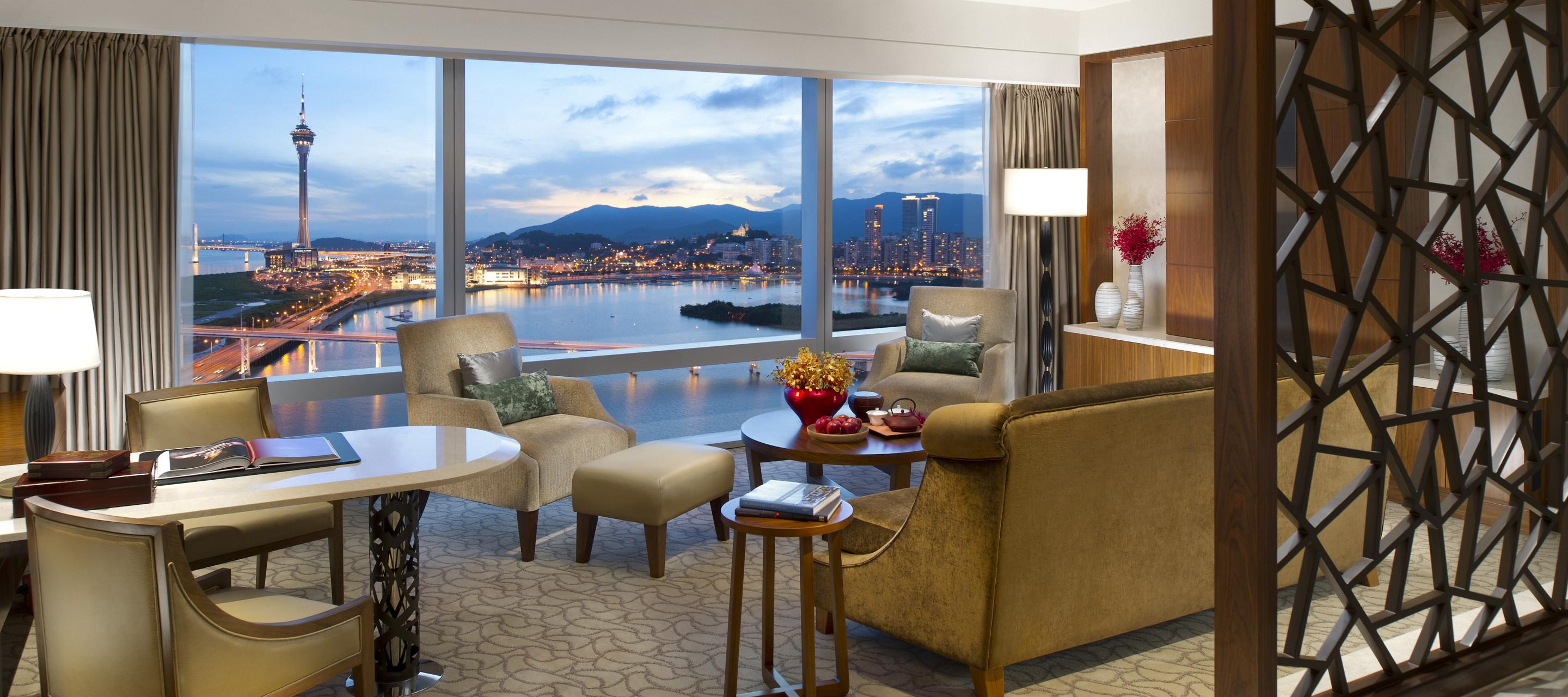 """Suite Staycation: """"Sail and Stay"""" at Mandarin Oriental, Macau"""