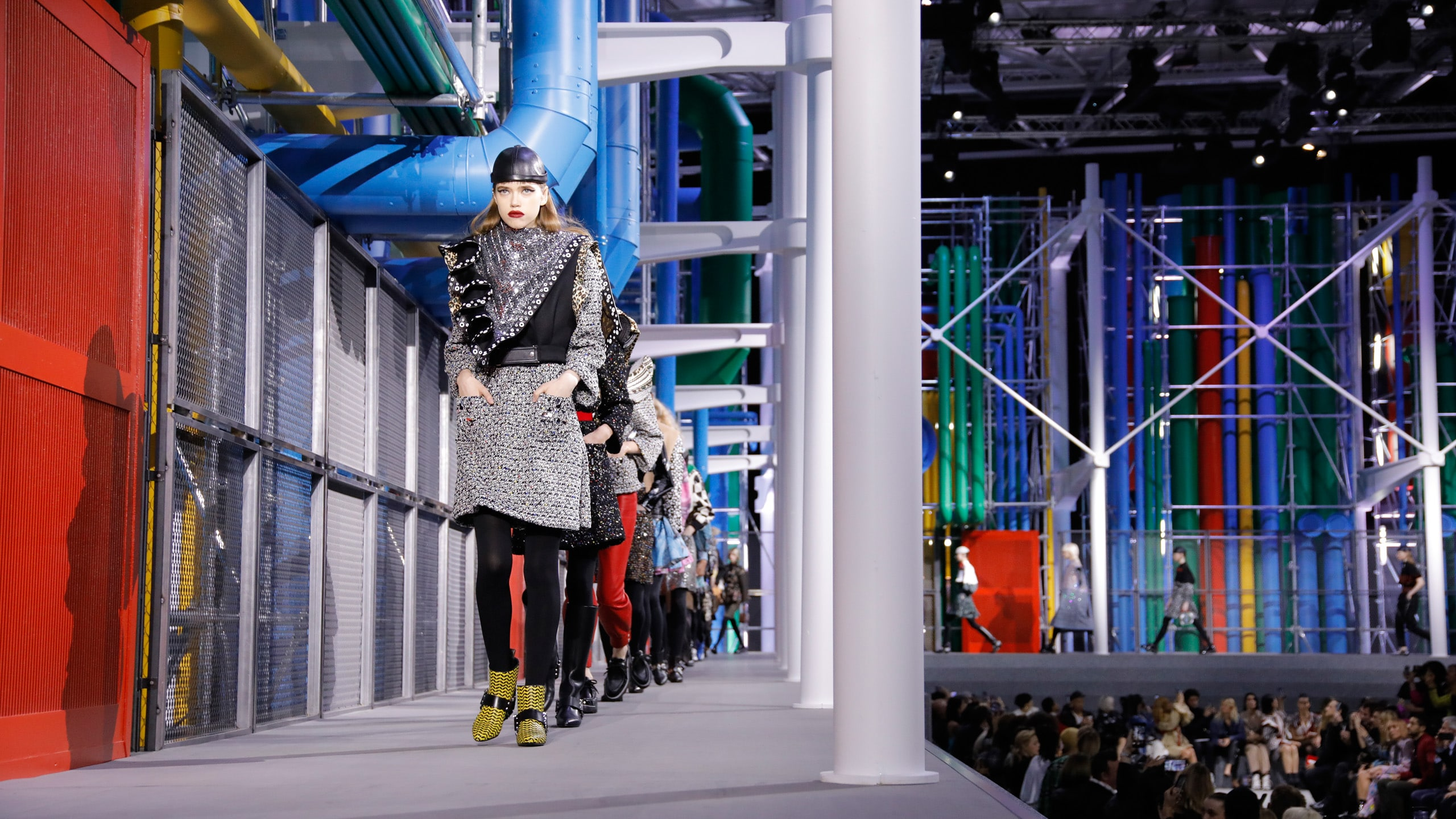 Livestream: Watch Louis Vuitton's Fall/Winter 2019 ready-to-wear fashion show, live from Paris