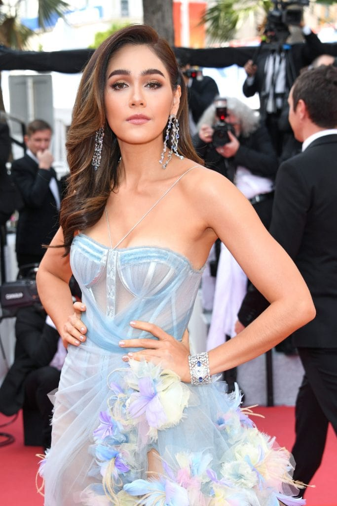 Arya Hargate in Chopard waterfall earrings and cuff. Image: Courtesy Getty
