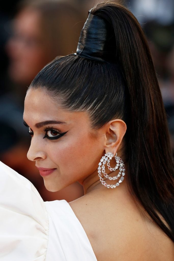 Deepika Padukone in Lorraine Schwartz hoop earrings. Image: Courtesy Getty