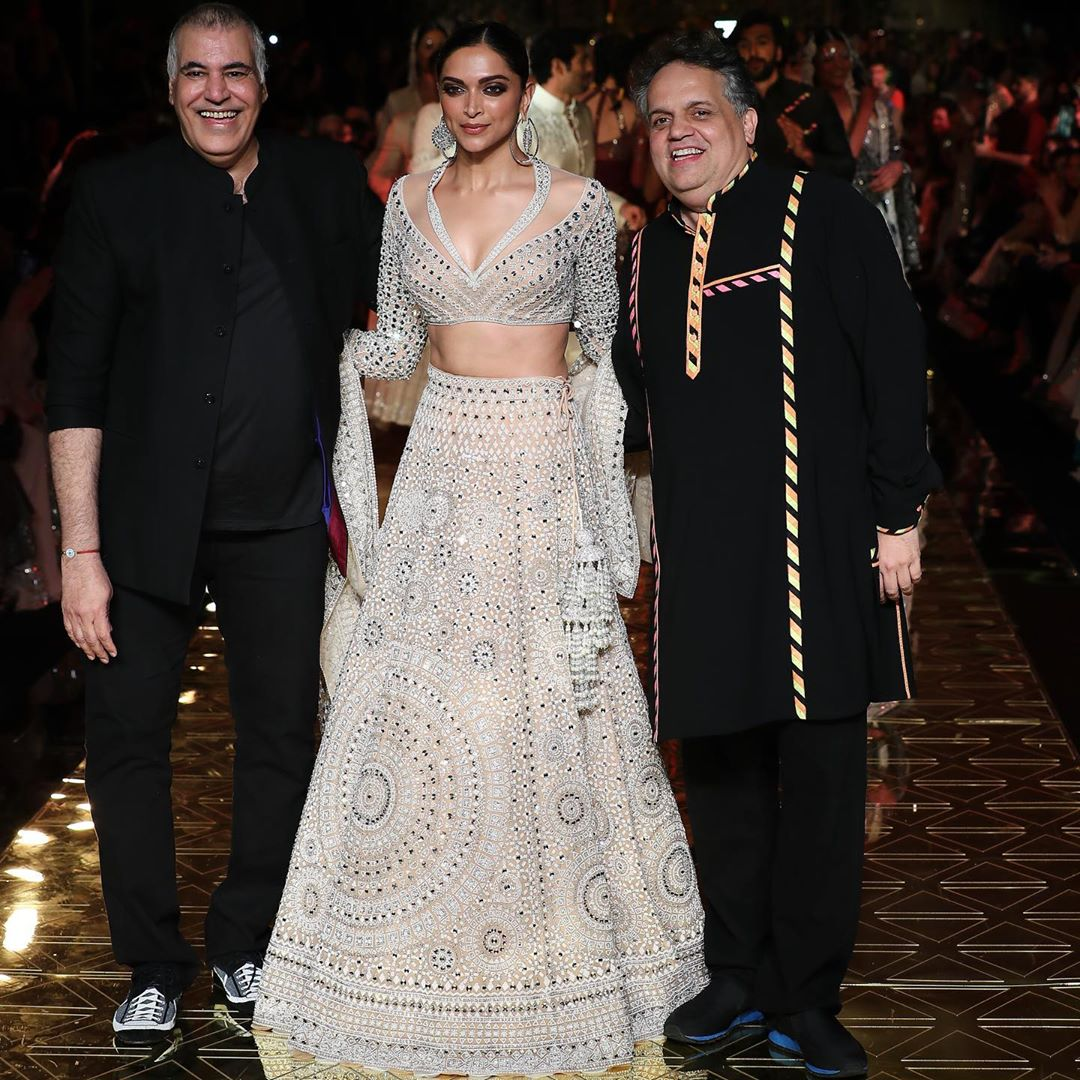Q A Designers Abu Jani Sandeep Khosla On Their 33 Years In Fashion