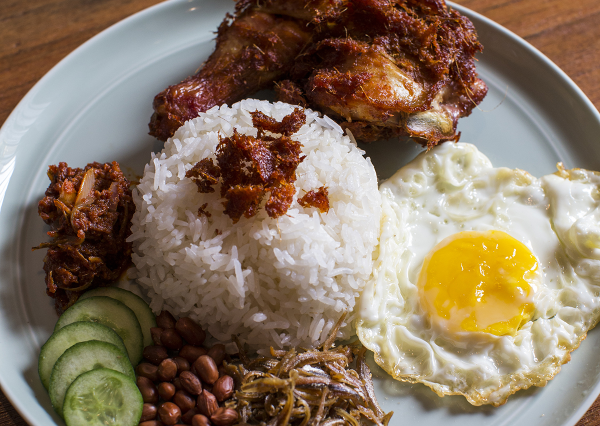 Where To Find The Best Nasi Lemak Stalls In Singapore