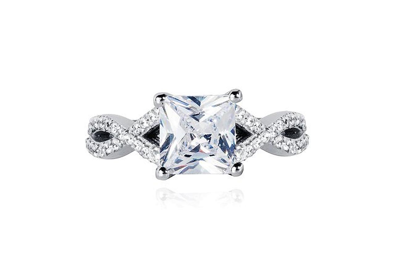 The Princess Diamond Twist ring, Lark & Berry (Photo credit: Lark & Berry)