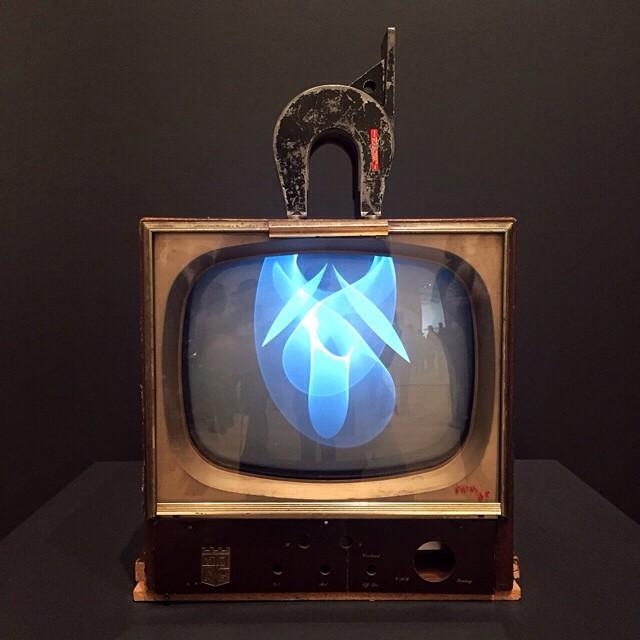 Nam-June-Paik-TV