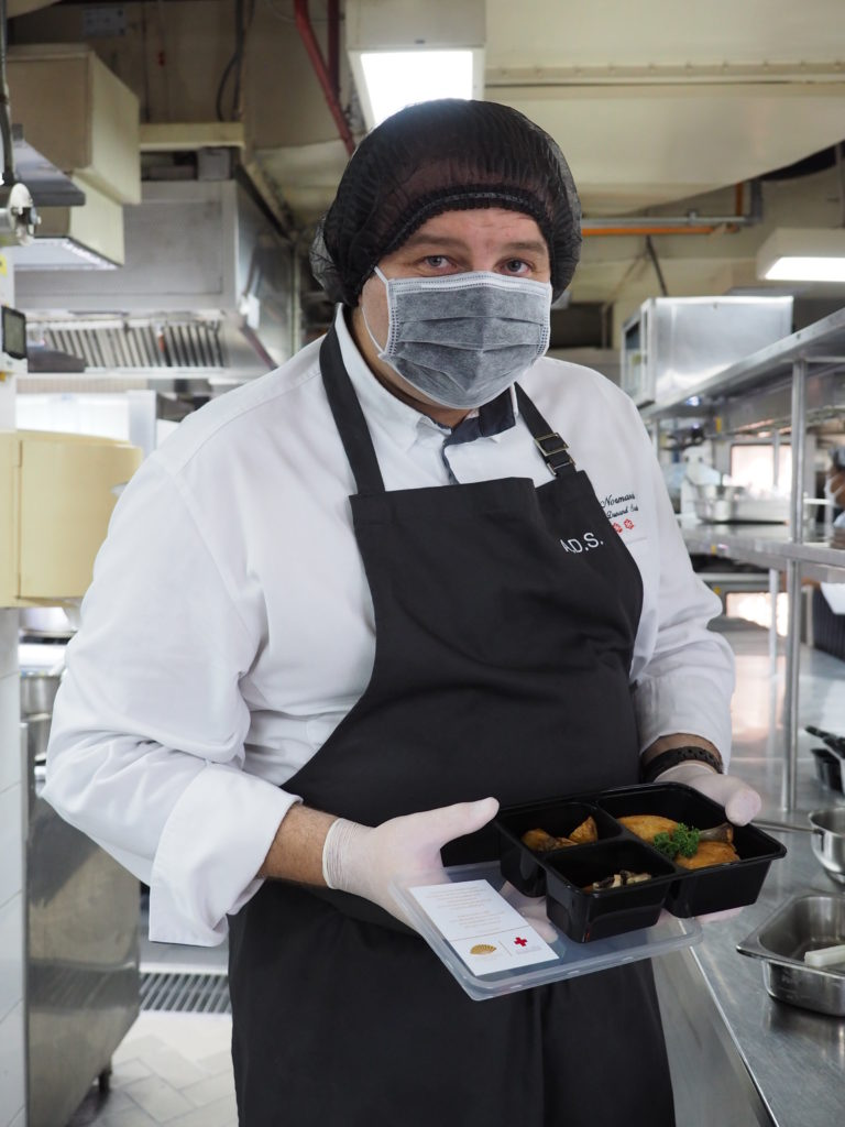 Poulet en Cocotte,Mandarin Oriental Bangkok, meals of care, Covid-19 Thailand, frontline medical authorities, chefs from Mandarin Oriental Bangkok, Chef Arnaud