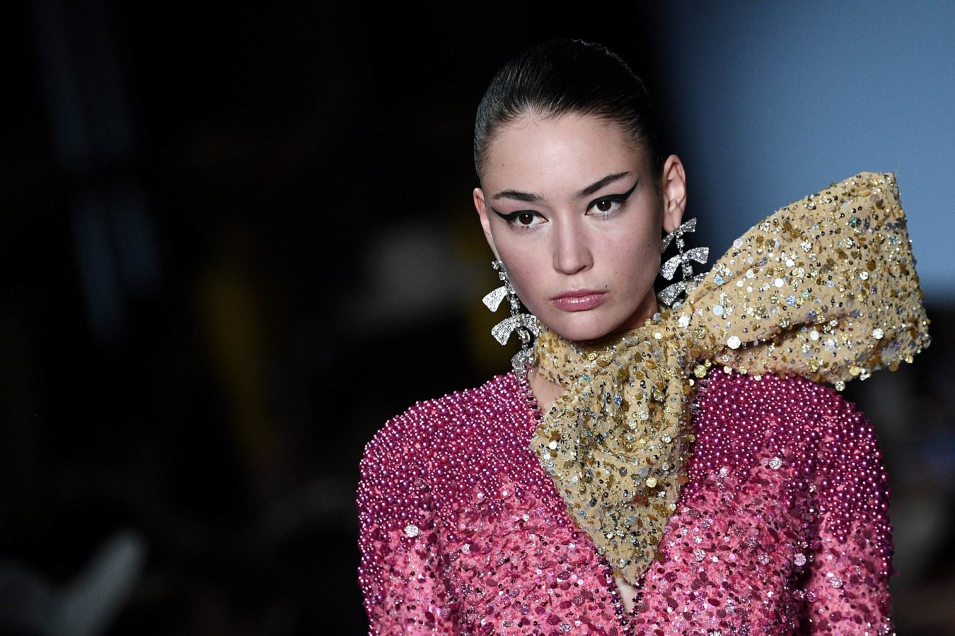 The two beauty trends that dominated the haute couture runway in Paris