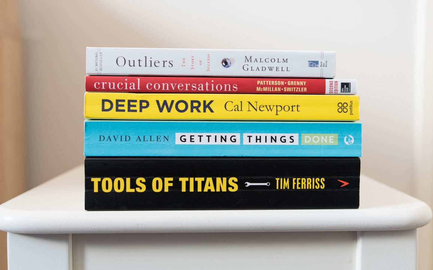 10 books every aspiring young entrepreneur needs to read