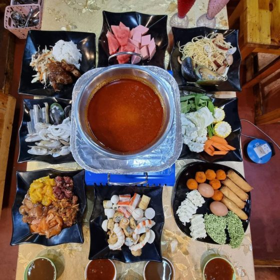 Family'SS Steamboat & Grill