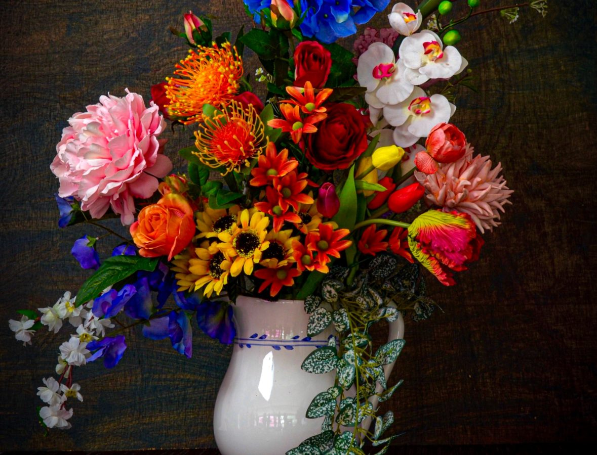 This weekend, beautify your home with floral arrangements – here's how