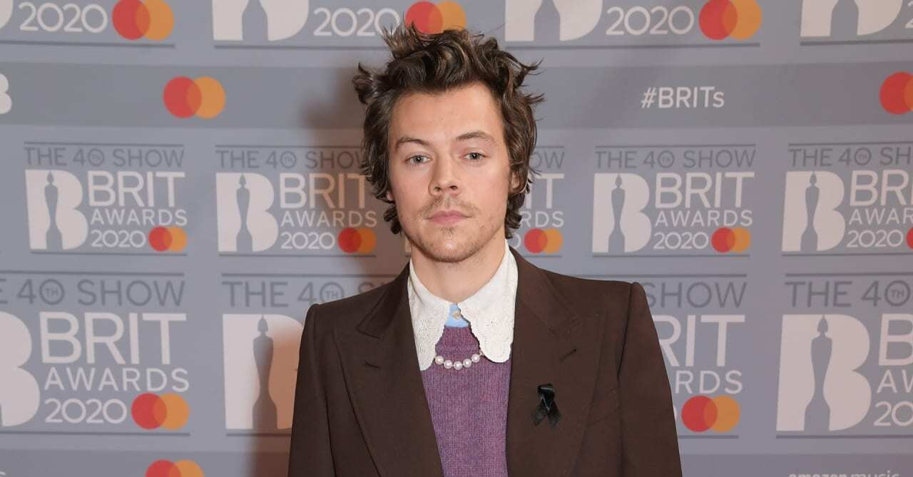How to work pearl accessories like Harry Styles