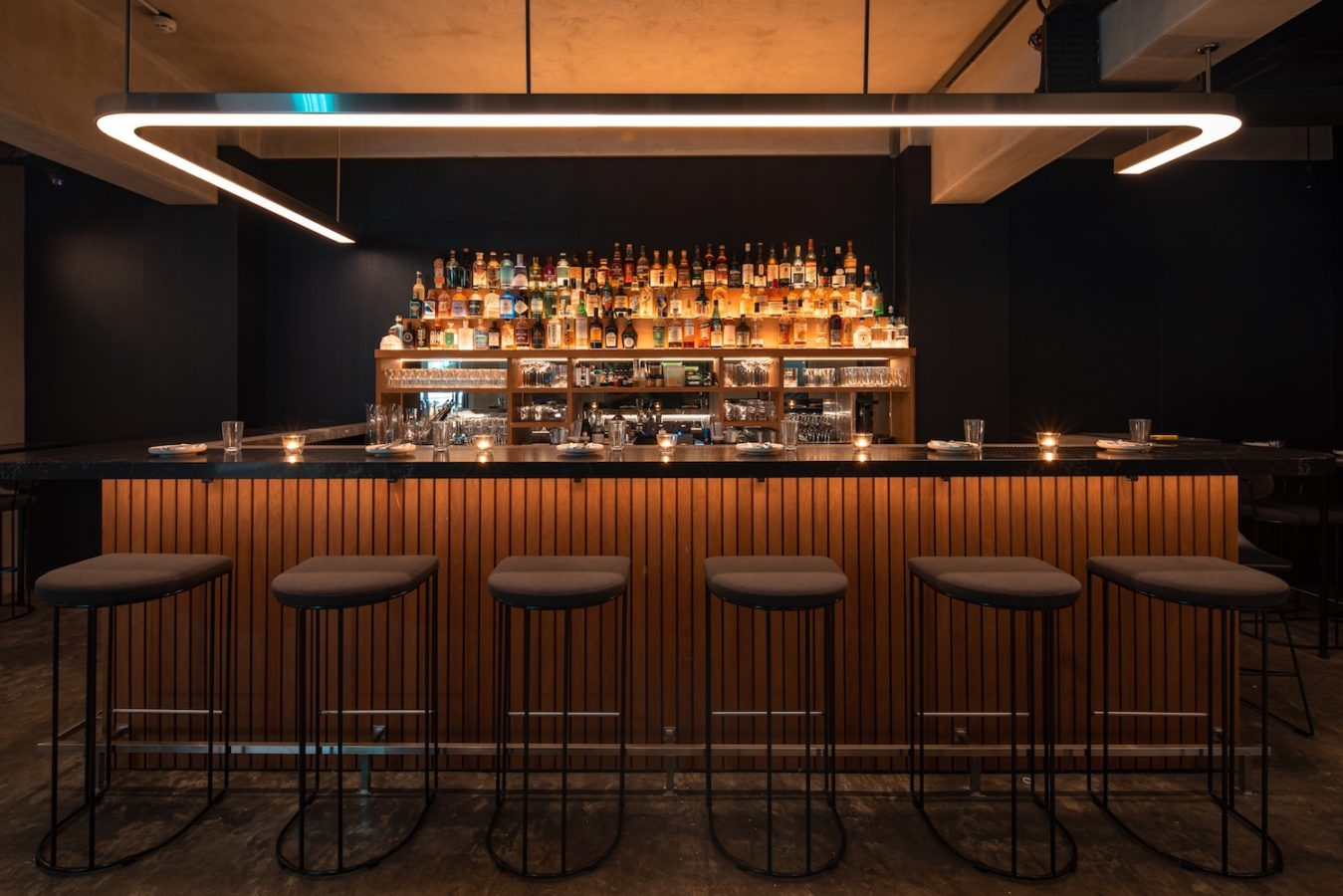 """Review: Lumo lights up Boat Quay with cocktails that scream """"mad scientist"""""""