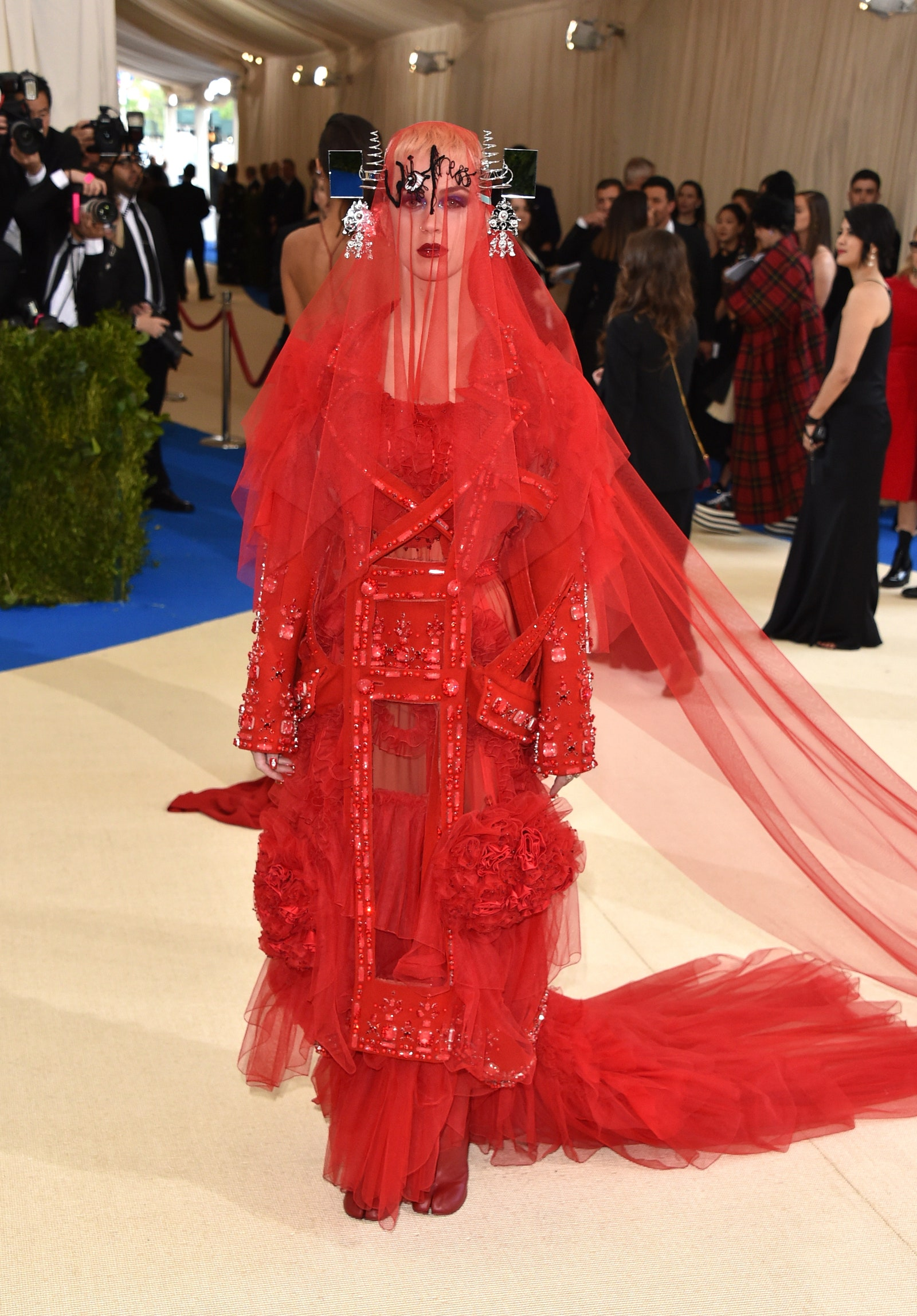Katy Perry in Maison Margiela (Photo credit: Getty Images)