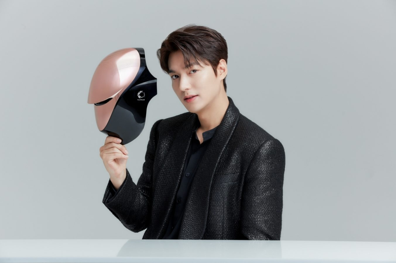 Korean stars rave about the Cellreturn LED Mask, but does it live up to the hype?
