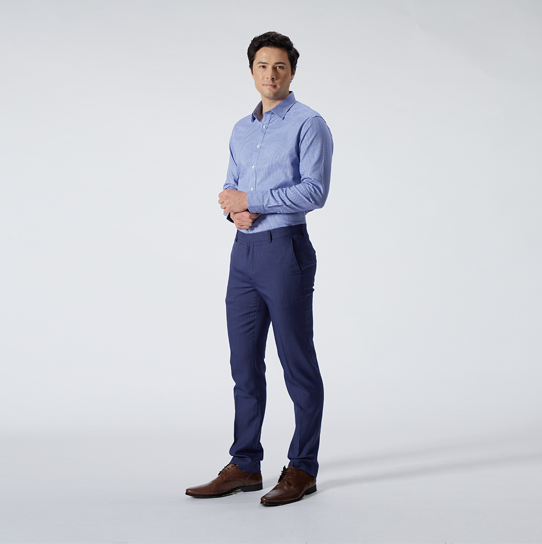 The Blue 40S Pattern Shirt, S$79, paired with the Indigo Ultra Slim Fit Poly Twill Pants, S$69 (Photo credit: G2000)