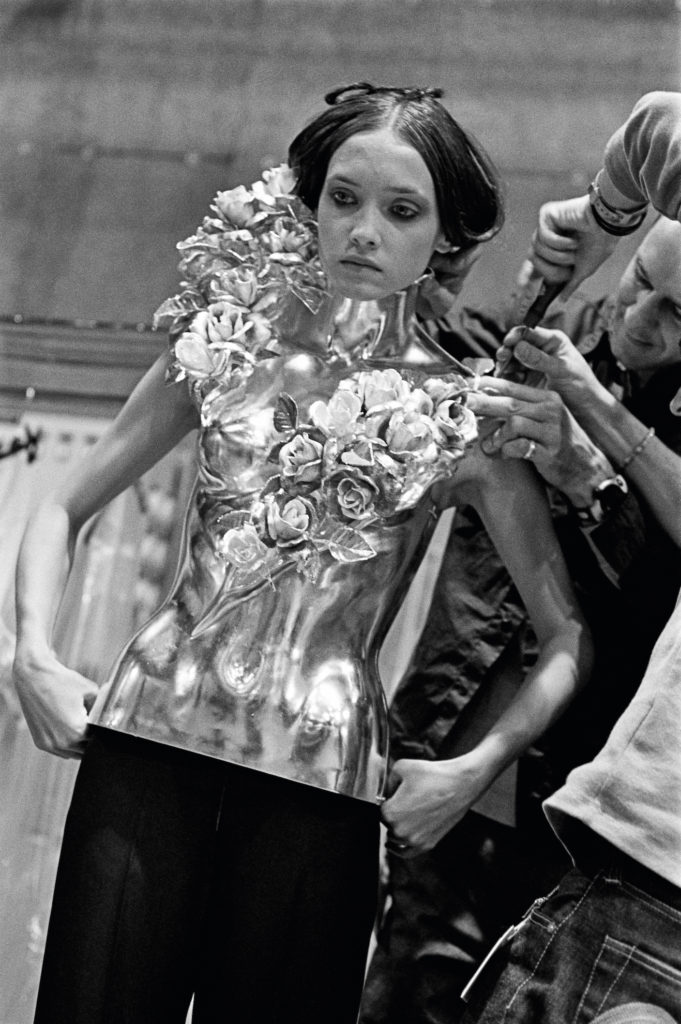 Rose Corset, Givenchy Haute Couture S/S 2000 (Photo credit: Ann Ray, courtesy of AAC Art Books)