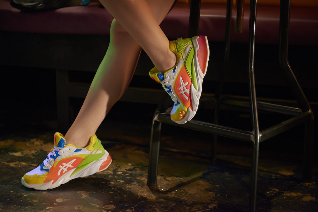 The GEL-MIQRUM sneakers in vibrant yellow/sunrise red. (Photo credit: ASICS SPORTSTYLE)