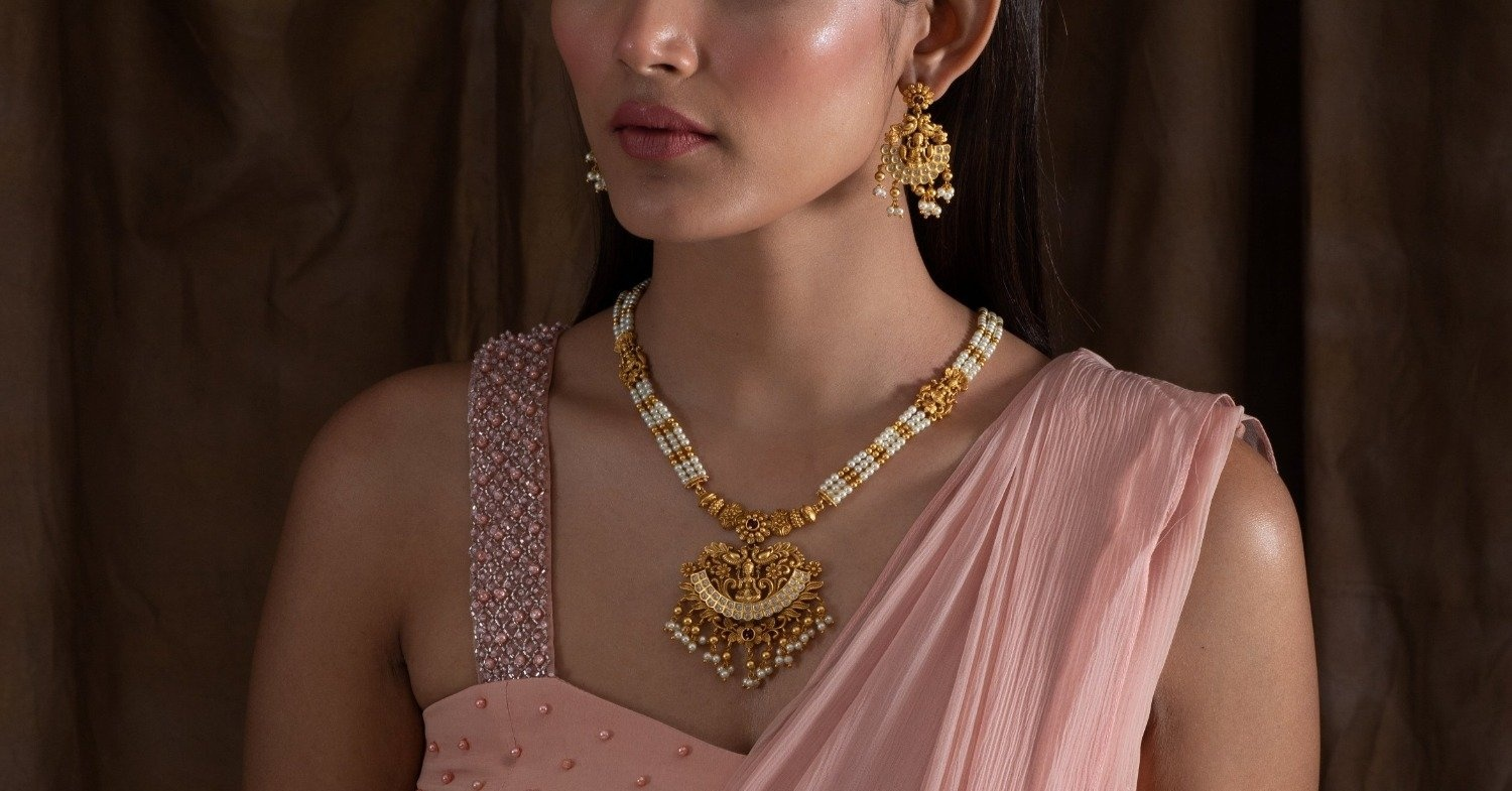 Add an extra shine to your Deepavali looks with these modern Indian jewellery pieces