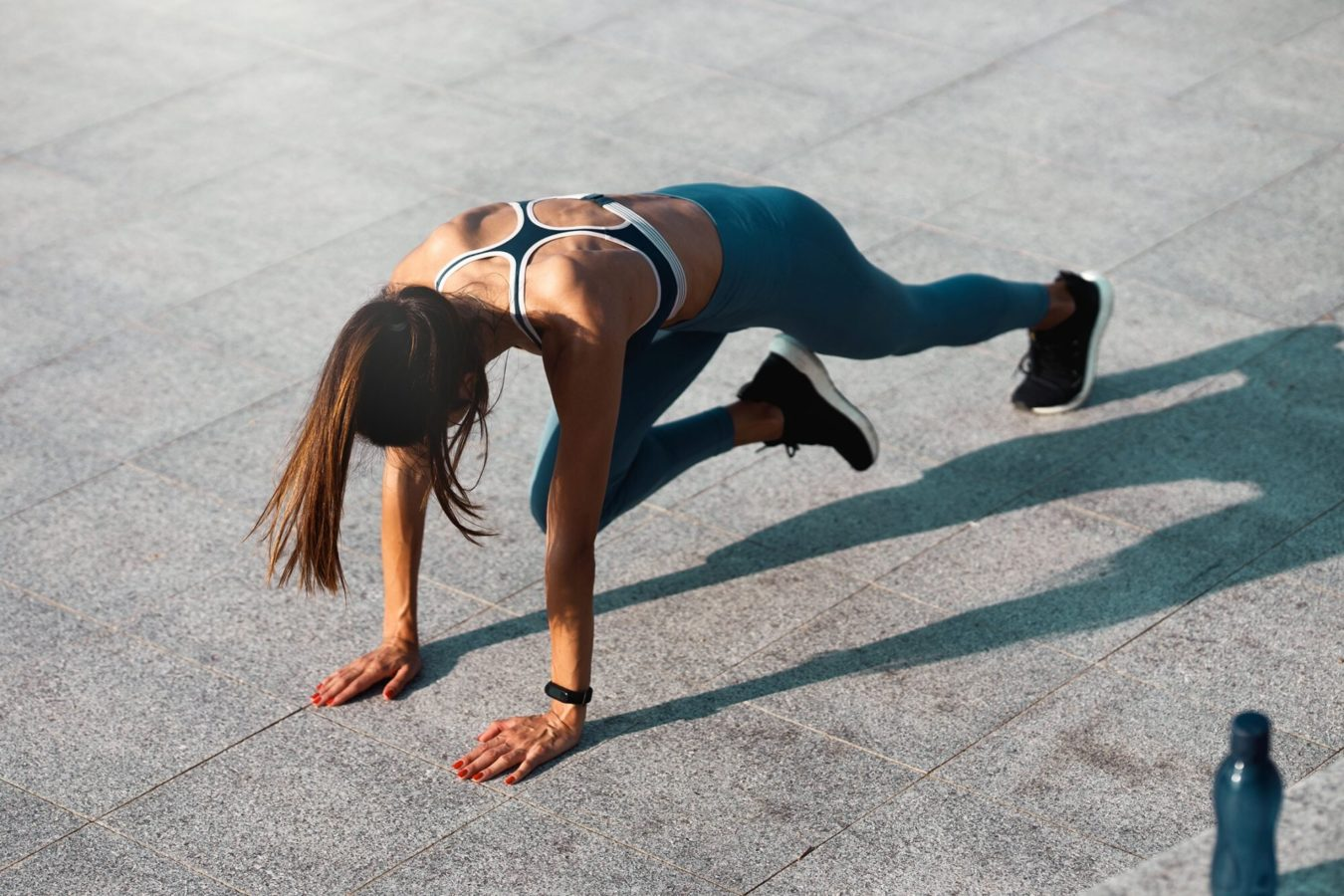 Rev up your metabolism at home with this easy guide to mountain climbers