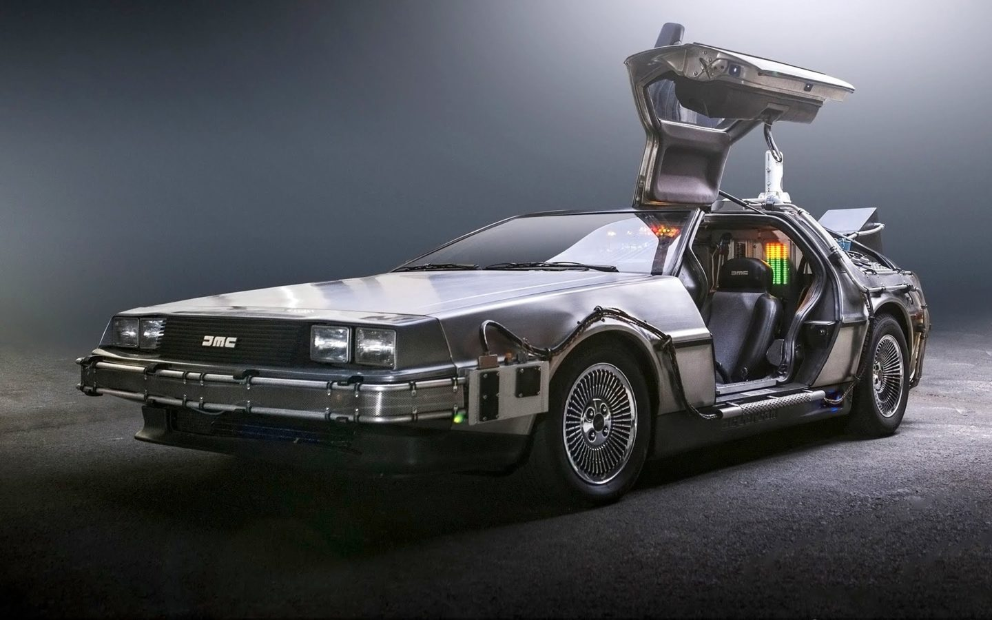 7 iconic movie cars that are eternally glorified in pop culture