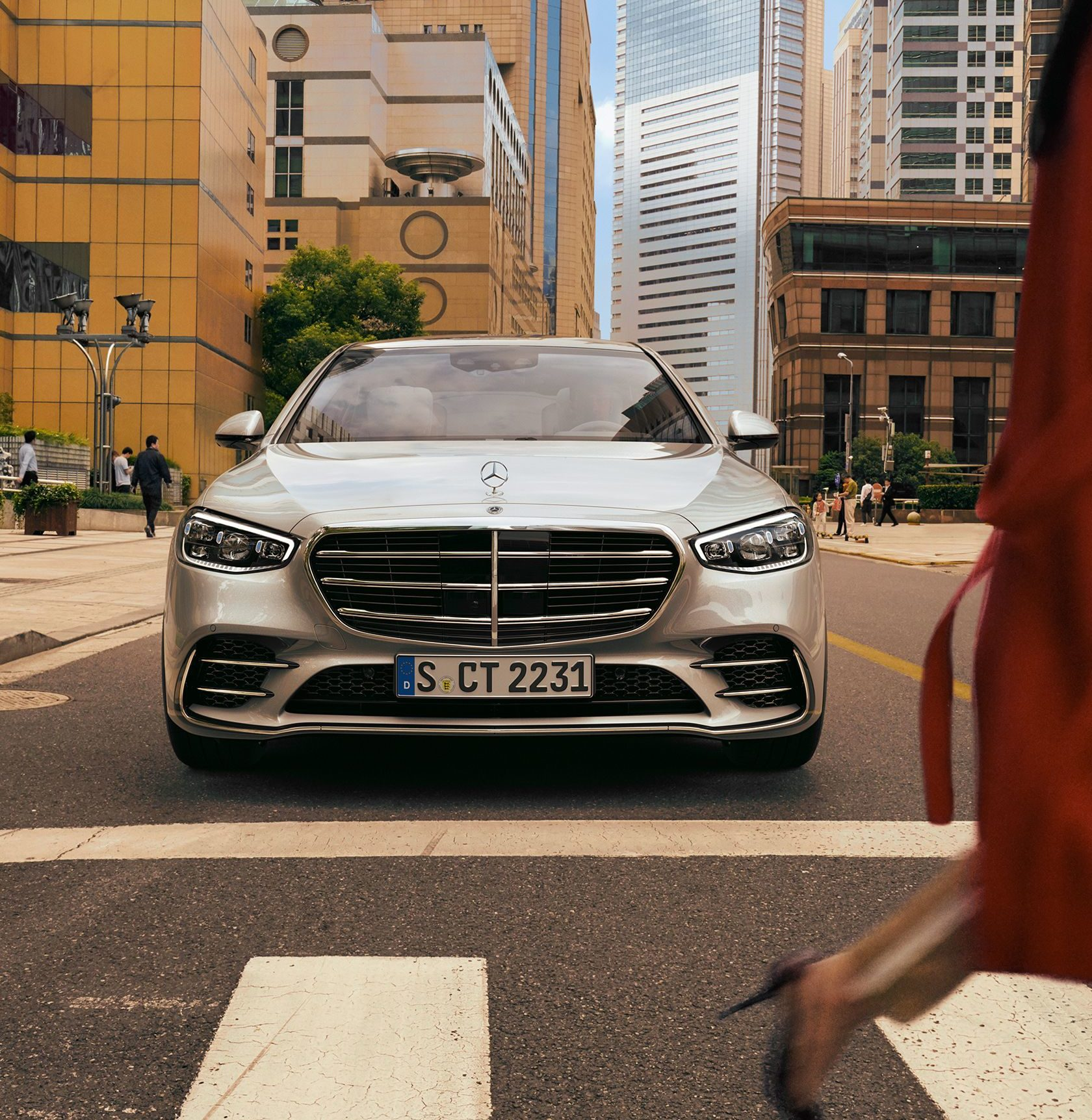 How the 2021 Mercedes-Benz S-Class is redefining on-road ...