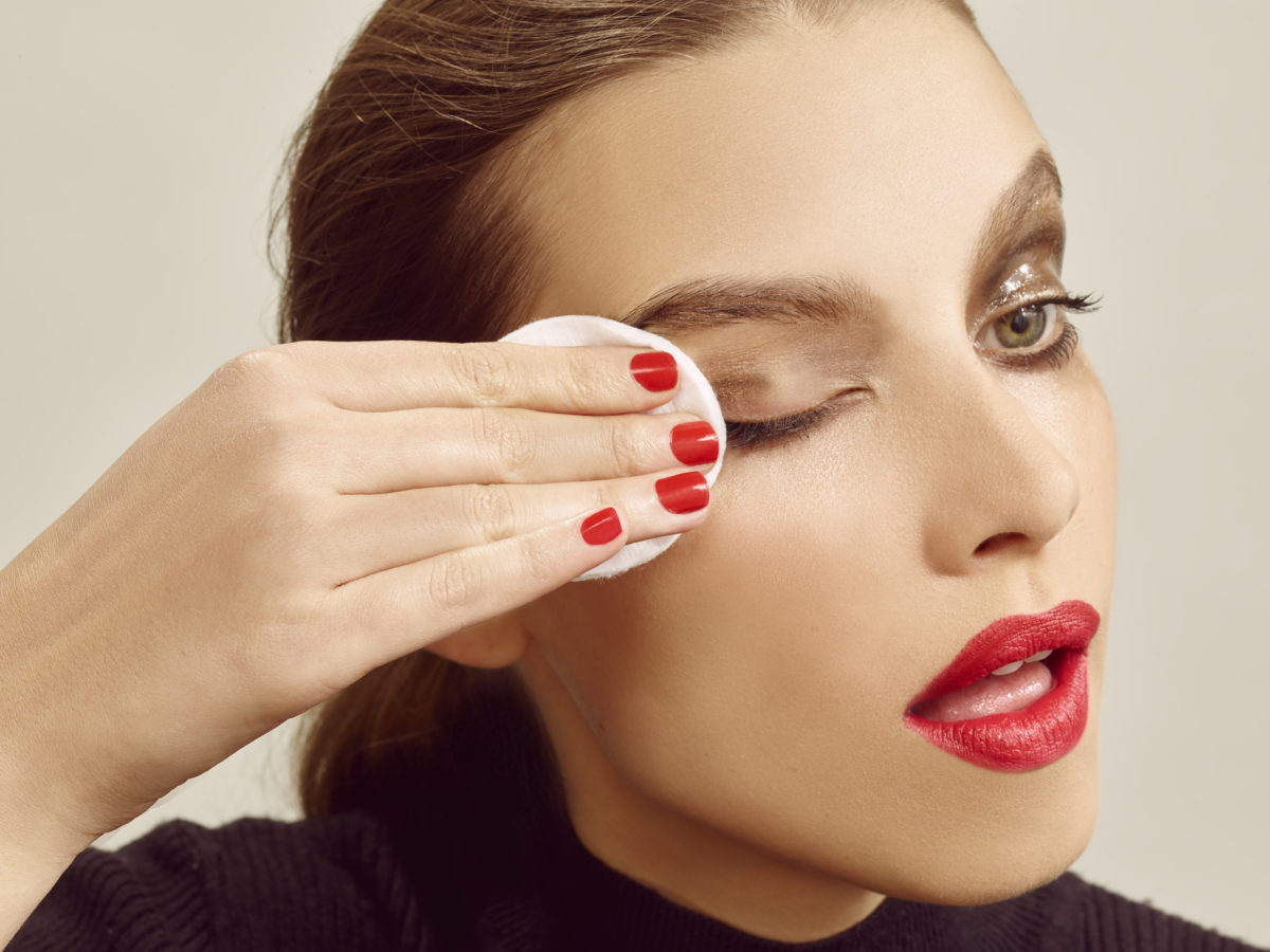 From bamboo pads to micellar waters, how to remove makeup effectively