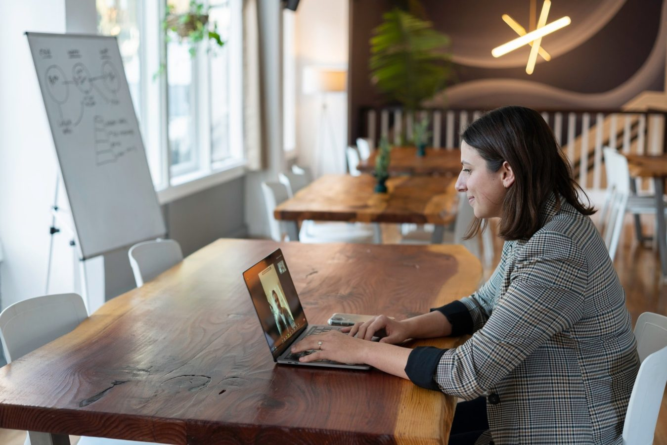 10 tips that will help you ace a virtual interview and land the job